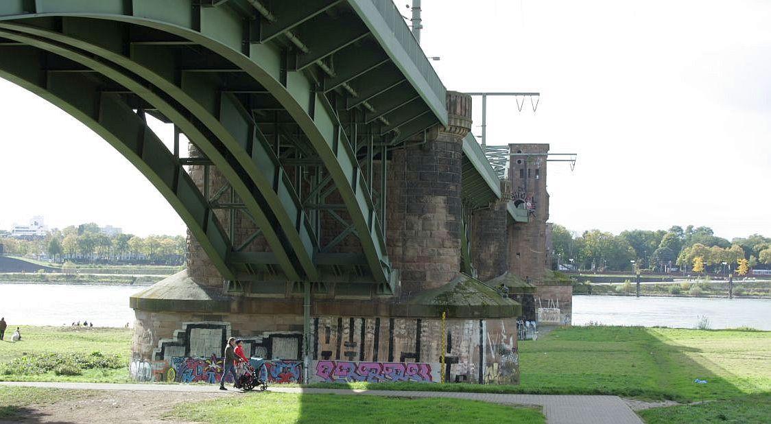 Südbrücke Köln ©Eva Bergschneider