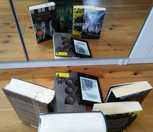 die nächsten Bücher spiegelverkehrt © Eva Bergschneider
