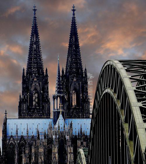 Köln, Kölner Dom, Hohenzollernbrücke