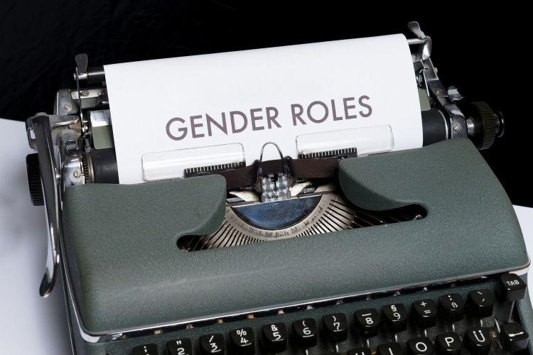 Gender roles, Schreibmaschine